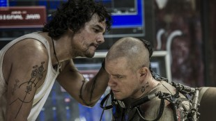 Wagner Moura og Matt Damon i Elysium (Foto: United International Pictures).