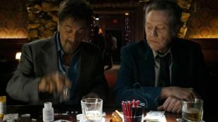 Al Pacino og Christopher Walken feirer friheten i Stand Up Guys (Foto: Walt Disney Entertainment).
