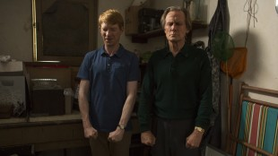Domhnall Gleeson får tidsreiseopplæring av Bill Nighy i About Time (Foto: United International Pictures).