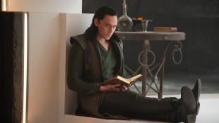 Tom Hiddleston spiller den svikefulle broren Loke i Thor: The Dark World (Foto: The Walt Disney Company Nordic).