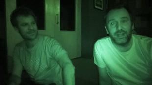 South Park-skaperne Matt Stone og Trey Parker la ut bilder av hvordan de taklet strømbruddet på seriens nettsider. (Foto: southpark.com).