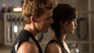 Jennifer Lawrence (Katniss) og Sam Claflin (Finnick) i The Hunger Games: Catching Fire (Foto: Lionsgate).