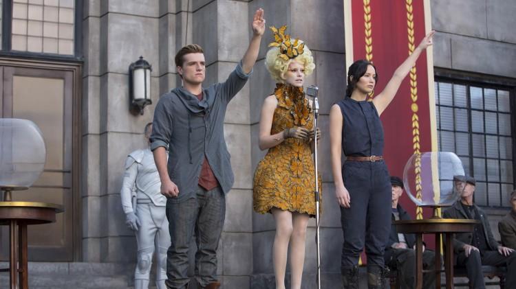 The Hunger Games: Catching Fire var den første filmen med kvinnelig hovedrolle som toppet kinolistene på 40 år. (Foto: Lionsgate).
