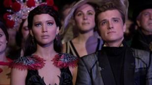 Jennifer Lawrence (Katniss) og Josh Hutcherson (Peeta) er sminket til fest i The Hunger Games: Catching Fire