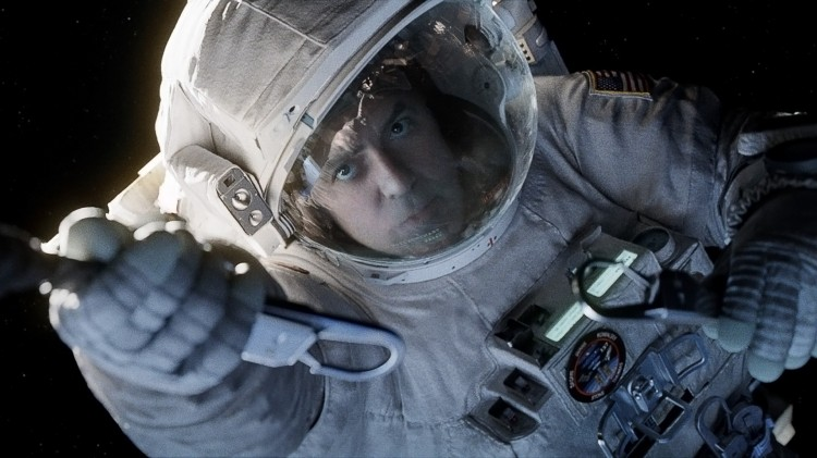 George Clooney holder fast i Alfonso Cuaróns Gravity (Foto: SF Norge AS).