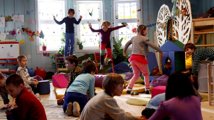 Barnehageaction i Karsten og Petra på vinterferie (Foto: Cinenord Kidstory/SF Norge).