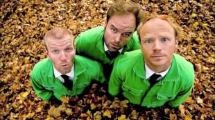 Bård Tufte Johansen, Atle Antonsen og Harald Eia stod bak «Uti vår hage». (Foto: NRK)