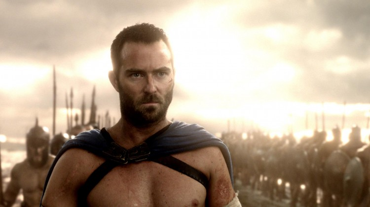 Sullivan Stapleton spiller general Themistokles i 300: Rise of an Empire  (Foto: Warner Bros. Pictures/ SF Norge AS).