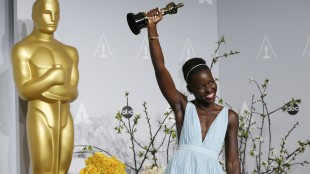 Lupita Nyong'o fikk en velfortjent Oscar for sin rolle i 12 Years a Slave. (Foto: REUTERS/ Mario Anzuoni, NTB Scanpix).