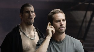 Robert Maillet og Paul Walker i Brick Mansions (Foto: Scanbox).
