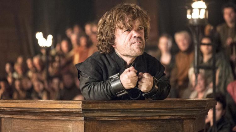 Peter Dinklage spiller spesielt godt når Tyrion Lannister stilles for retten. (Foto: HBO Nordic).
