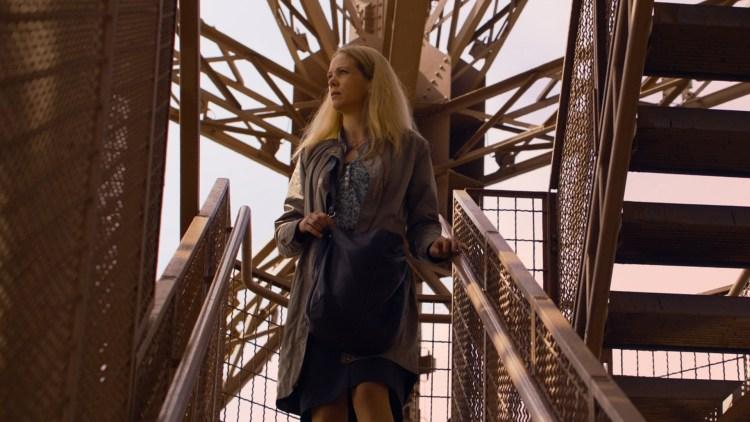 Marie (Ane Dahl Torp) må en tur til Eiffeltårnet i 1001 gram (Foto: Norsk Filmdistribusjon).