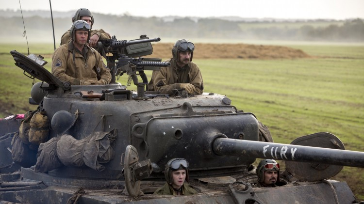 """Wardaddy"" (Brad Pitt) leder mannskapet i tanksen Fury (Foto: United International Pictures)."