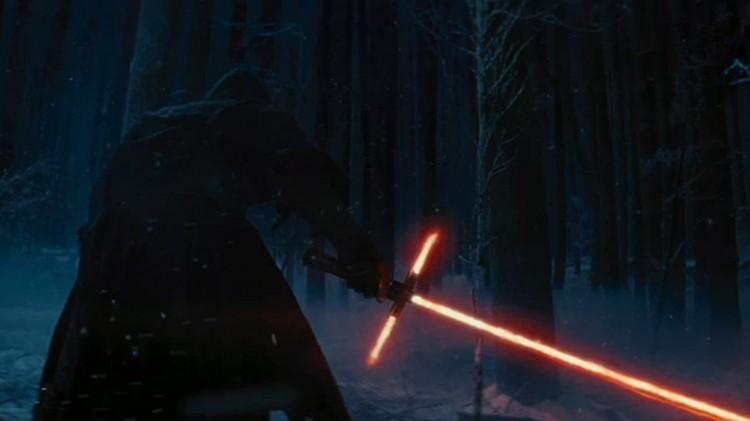 Kult lasersverd i teaseren til Star Wars: The Force Awakens (Foto: The Walt Disney Company).
