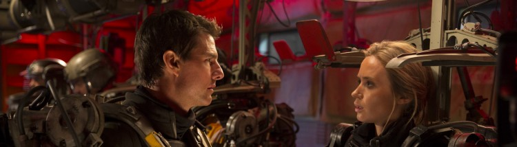Tom Cruise spiller mot Emily Blunt i Edge Of Tomorrow (Foto: Warner Bros. Pictures/ SF Norge).