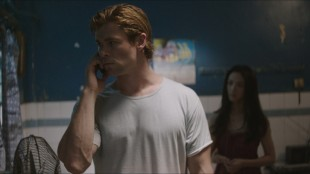 Chris Hemsworth og Wei Tang jakter på dataskurker i Blackhat (Foto: United International Pictures).