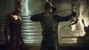 The Flash og Arrow er satt i samme universm og de to superheltene dukker stadig opp i hverandres serier. (Foto: CW).