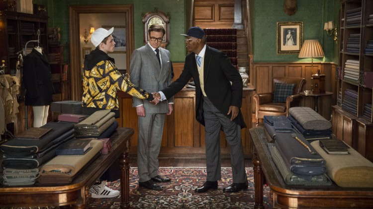 Eggsy (Taron Egerton) og Harry (Colin Firth) møter Valentine (Samuel L. Jackson) i Kingsman: The Secret Service (Foto: Fox film).