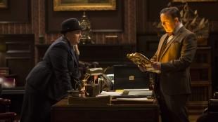 Rebel Wilson spiller sikkerhetsvakt, mens Ricky Gervais er museumsdirektør i Natt på museet: Gravkammerets hemmelighet (Foto: 20th Century Fox).