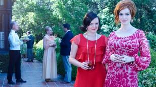 Peggy Olson (Elisabeth Moss) og Joan Harris (Christina Hendricks) i Mad Men(Foto: SBS Discovery, Frank Ockenfels, AMC)