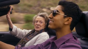 Maggie Smith og Dev Patel i The Second Best Exotic Marigold Hotel (Foto: 20th Century Fox).