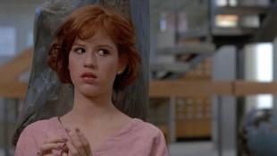 Molly Ringwald spilte i flere av John Hughes' filmer på 1980-tallet (Foto: Universal Sony Pictures).