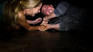 Skuespillerne gjør et godt forsøk på å se livredde ut. (Foto: SF Norge)
