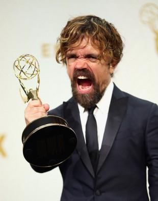 Peter Dinklage vant prisen for beste birolle i en dramaserie for andre gang, for sin prestasjon i Game of Thrones. (Foto: Mark Davis/Getty Images/AFP, NTB Scanpix).