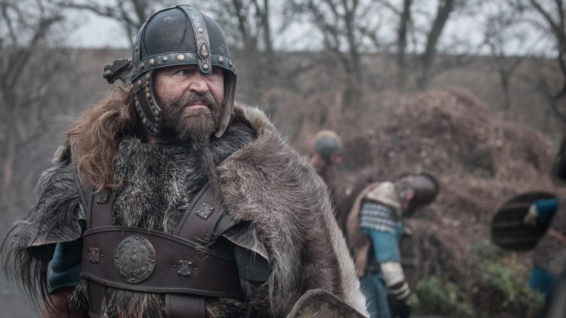 Peter Gantzler som den brutale men hederlige Ragnar Jarl. (Foto: NRK, Kata Vermes)