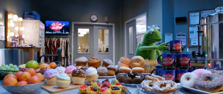The Muppets S01 E01 – 03
