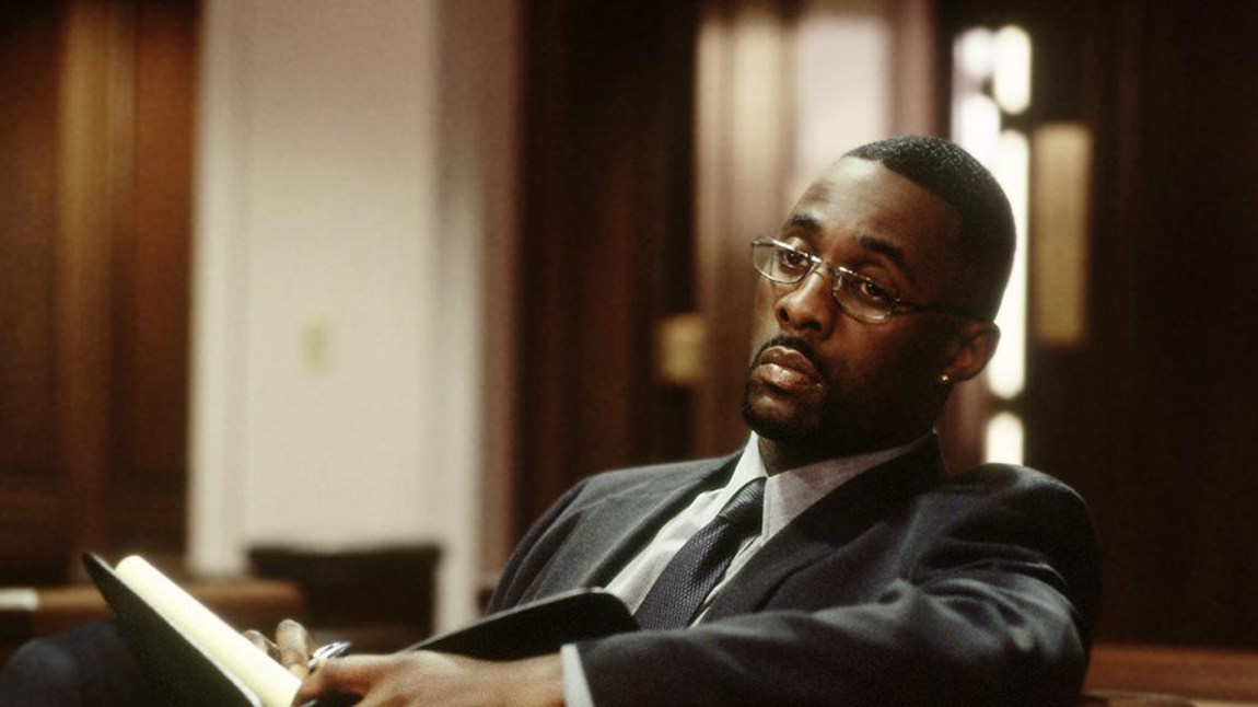 "Idris Elba som ""Stringer"" Bell i serien The Wire.  (Foto: HBO)"