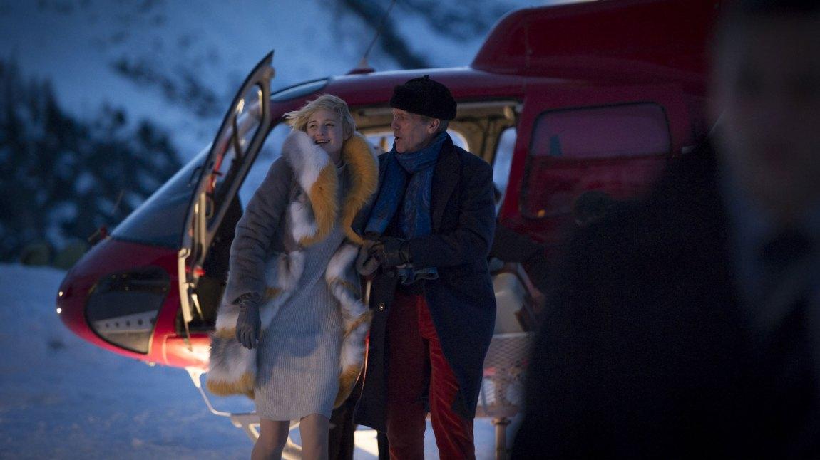 Richard Onslow Roper (Hugh Laurie)  er en britisk velgjører, og internasjonal våpenhandler, i påskekrimmen The Night Manager.  (Foto: TV2)