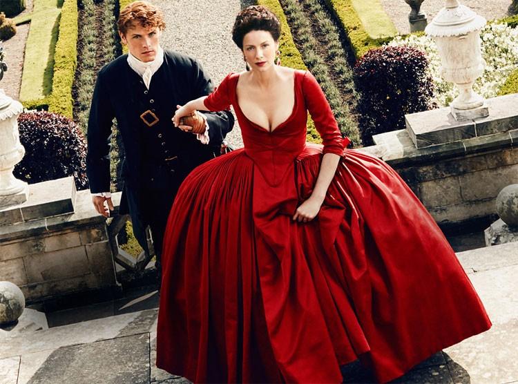Den rød kjolen...  Fabelaktig! (Foto: Starz).