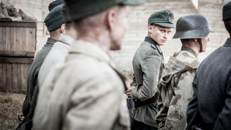 Helmut (Joel Bosman) er en av de unge krigsfangene i Under sanden (Foto: Tour de Force).