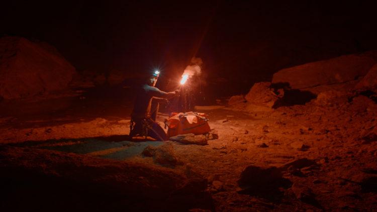Pen bruk av ulike lyskilder i Cave (Foto: Another World Entertainment).
