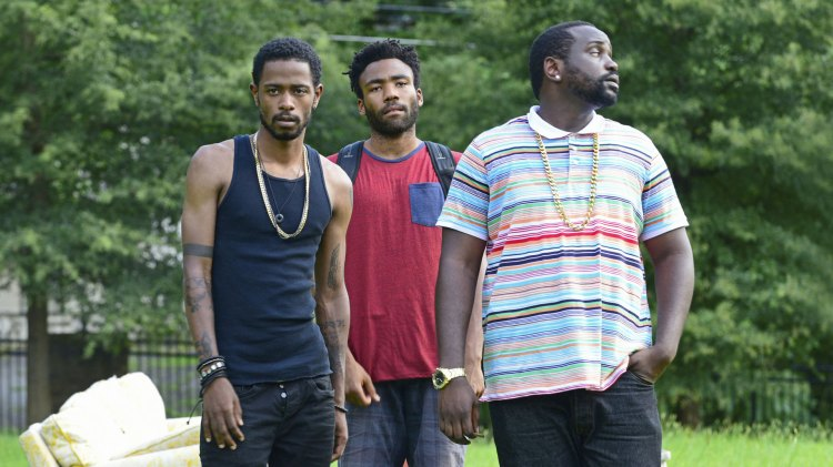 Darius (Keith Stanfield), Earn (Donald Glover) og Alfred & quot; Paper Boi & quot; (Brian Tyree Henry) (Foto: FOX, FX)