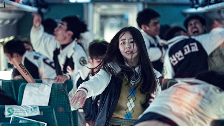 Det bryter ut full panikk på toget i Train to Busan. (Foto: AS FIDALGO)