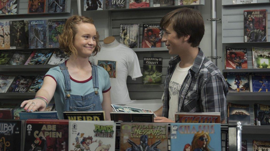 Det er kult å henge med Abby (Liv Hewson) og den nerdete nabogutten Eric (Skyler Gisondo). (Foto: Netflix)