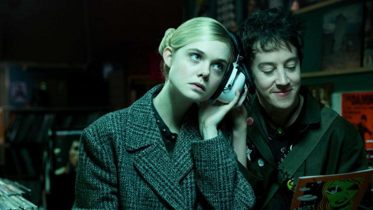 """Elle Fanning og Alex Sharp spiller hovedrollene i """"How To Talk To Girls At Parties"""". (Foto: Festival de Cannes)"""