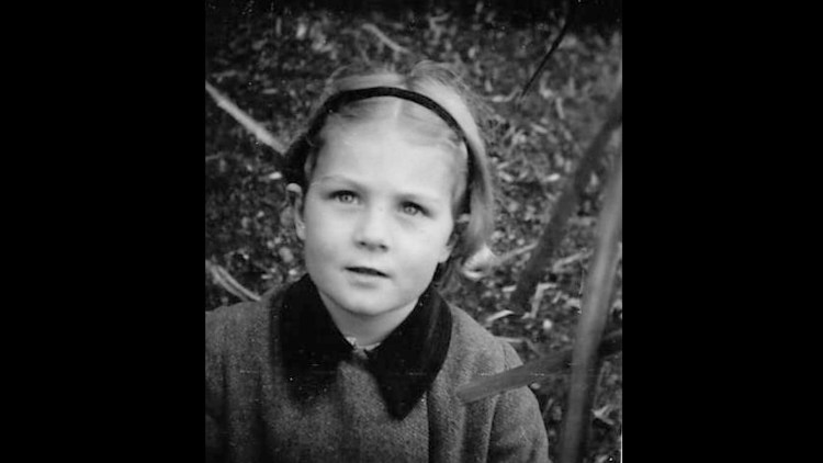 """Vanessa Redgrave som krigsevakuert barn i dokumentarfilmen """"Sea Sorrow"""". (Foto: Festival de Cannes)"""