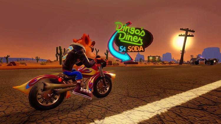 Crash sin motorsykkel er kul, men voldsomt vanskelig å styre. (Foto: Activision)