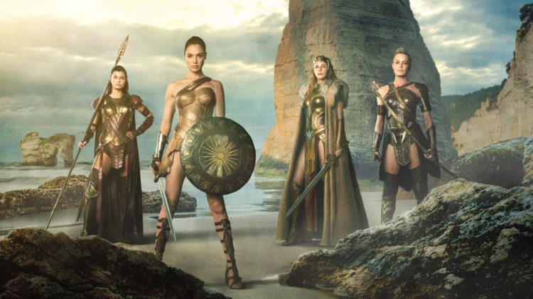 "Lisa Loven Kongsli, Gal Gadot, Connie Nielsen og Robin Wright spiller amasoner i ""Wonder Woman"". (Foto: SF Studios)"