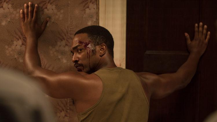 """Vietnam-veteranen Greene (Anthony Mackie) blir utsatt for et brutalt forhør i """"Detroit"""". (Foto: SF Studios)"""