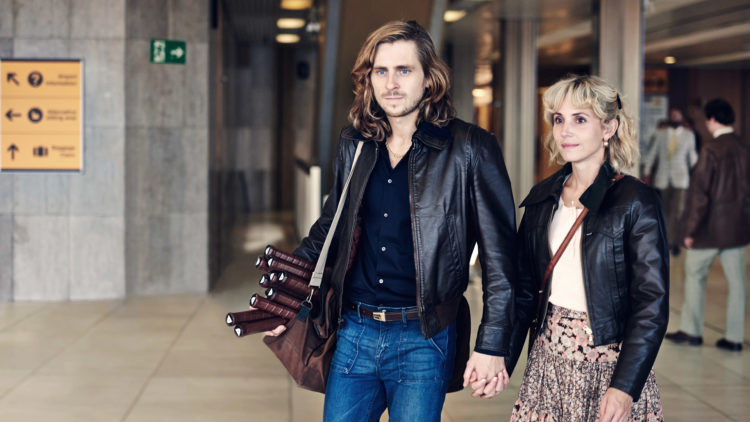 """Björn Borg (Sverrir Gudnason) og kjæresten Mariana (Tuva Novotny) i """"Borg"""". (Foto: Nordisk Film Distribusjon)."""