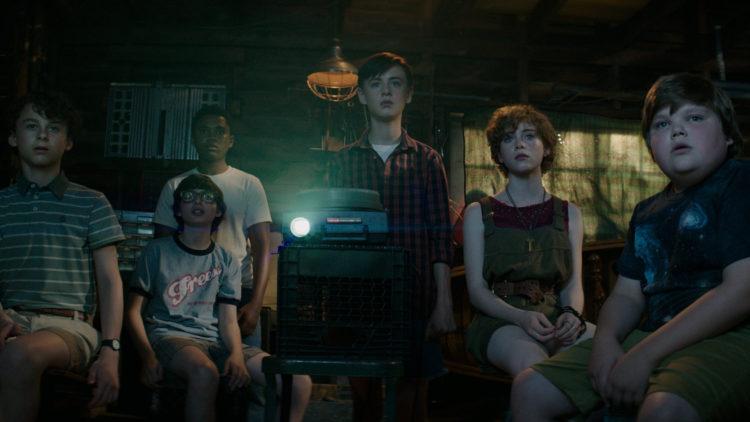 "Et lysbildeshow tar en bisarr vending i filmen ""It"". (Foto: SF Studios)"