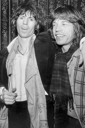 Keith Richards og Mick Jagger, avbildet sammen i 1977. (Foto: NTB Scanpix, AFP)