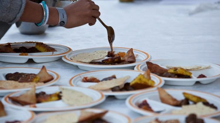 Indisk mat på stedet. (Foto: Rashid Akrim, NRK P3)