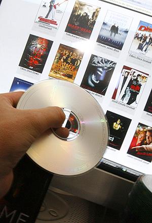 Folk som driver med ulovlig deling av musikk og film på nettet kan gå hardere tider i møte, i hvert fall i USA. Illustrasjonsfoto: Colourbox.com.
