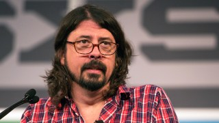 https://p3.no/musikk/wp-content/uploads/2013/03/Dave-Grohl-14032013-07.jpg
