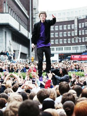 God stemning da LidoLido spilte på Topp 20-showet i fjor. (Foto: Tom Øverlie, NRK P3)